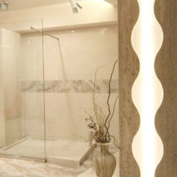 Ванная комната из натурального камня, шоурум Luka Marmi в Сочи