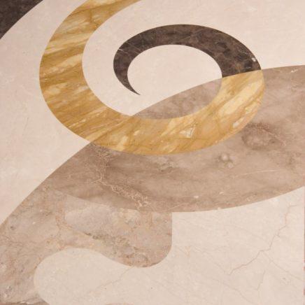 Образцы работы с камнем в шоуруме Luka Marmi
