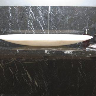 Раковина из мрамора, шоурум Luka Marmi в Сочи