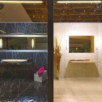 Ванные комнаты из мрамора, шоурум Luka Marmi в Сочи