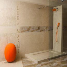 Ванная комната из мрамора, шоурум Luka Marmi в Сочи