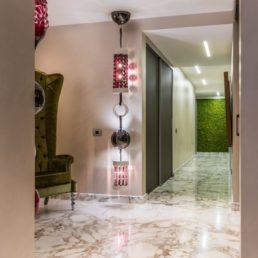 Мрамор для пола, стен, кухни и ванной - квартира в Сочи