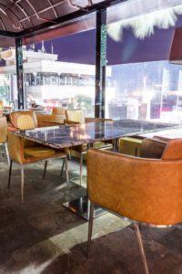 Мраморные столешницы и ступени - кафе Барселонета (Сочи)